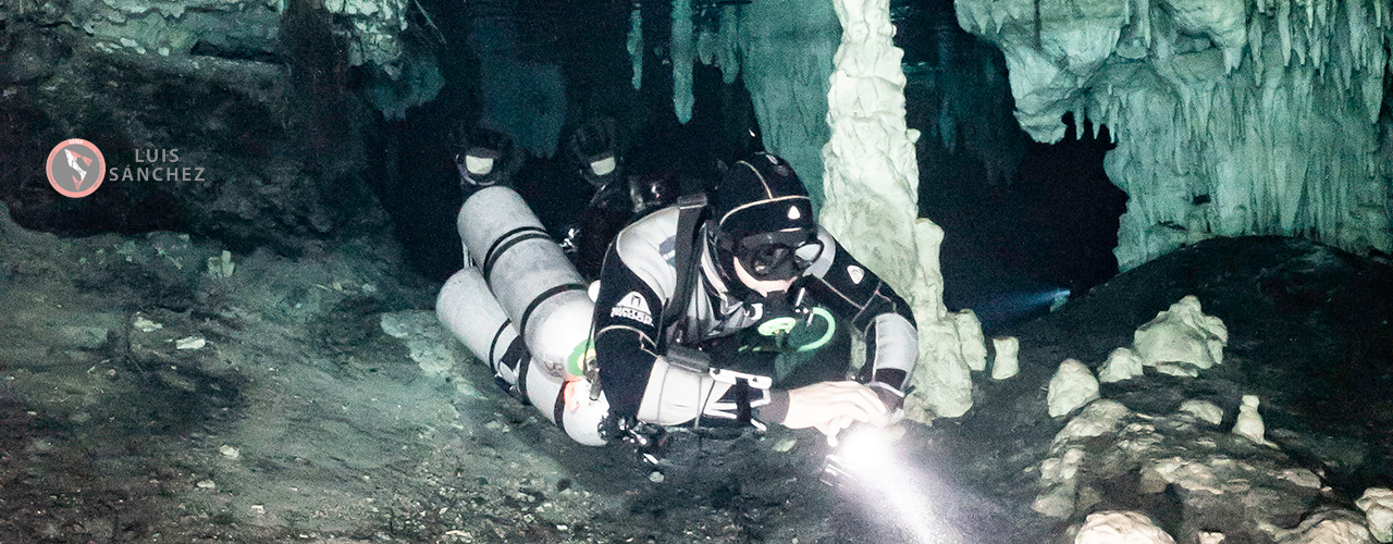 Technical Cave Diver
